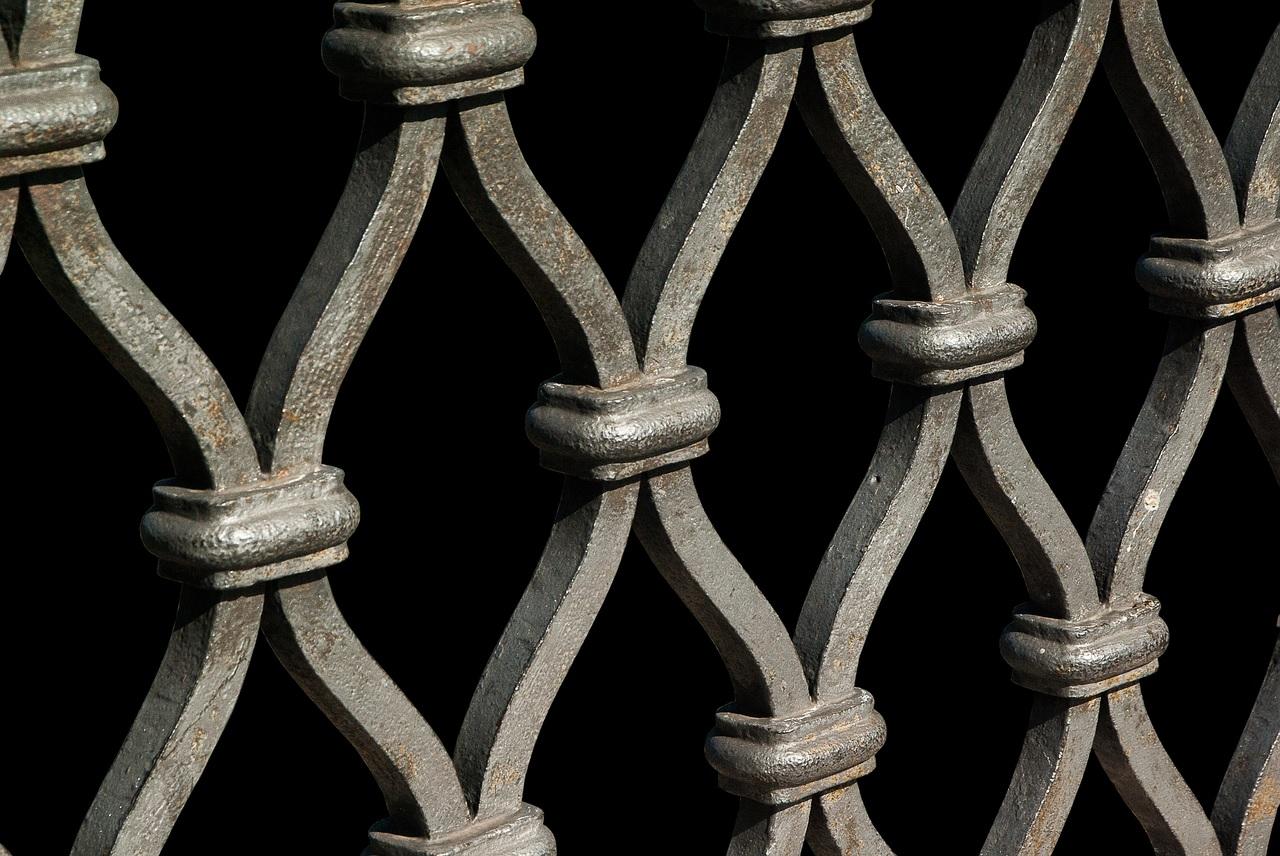 Comment choisir la bonne clôture pour une maison moderne ?